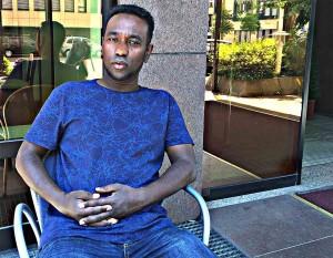 """Abdi Nur kam selbst 2003 als Flüchtling aus Afghanistan in Deutschland an. Heute hilft er mit seinem Verein """"Oromo Deutsche Freundschaft e.V."""" seinen Landsleuten, hier Fuß zu fassen. Foto: Abdi Nur (Abajabal)"""