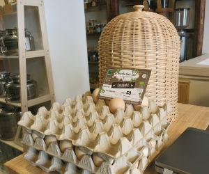 Es gibt Bio-Eier und Bio-Honig aus München