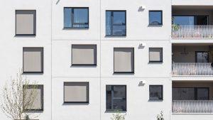 Briefkästen und Fensterfront wagnisART