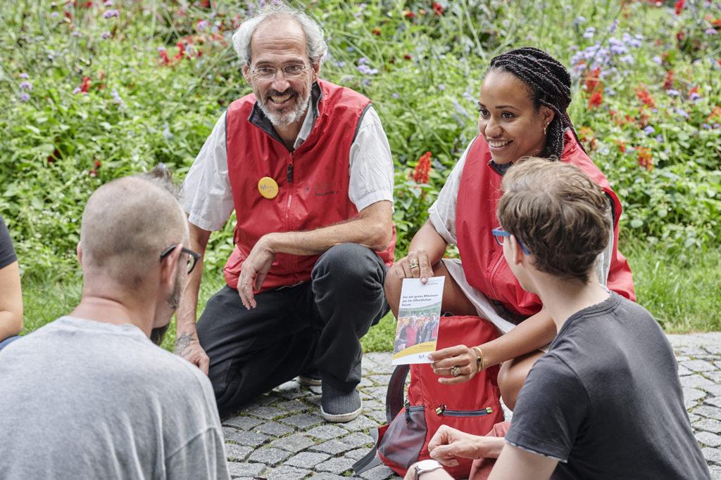 Das Team von Akim im Dialog am Gaertnerplatz im Einsatz; Foto: Carolin Tietz