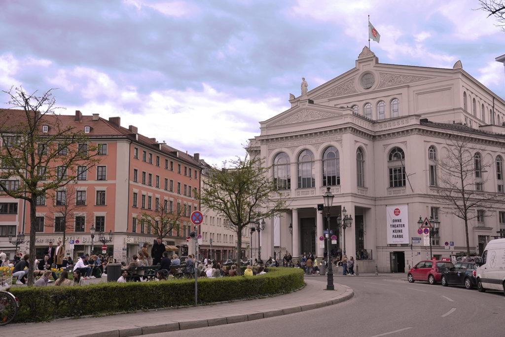 Der Gärtnerplatz mit Blick auf das Gärtnerplatz-Theater in München; Foto: Karoline Rupperti