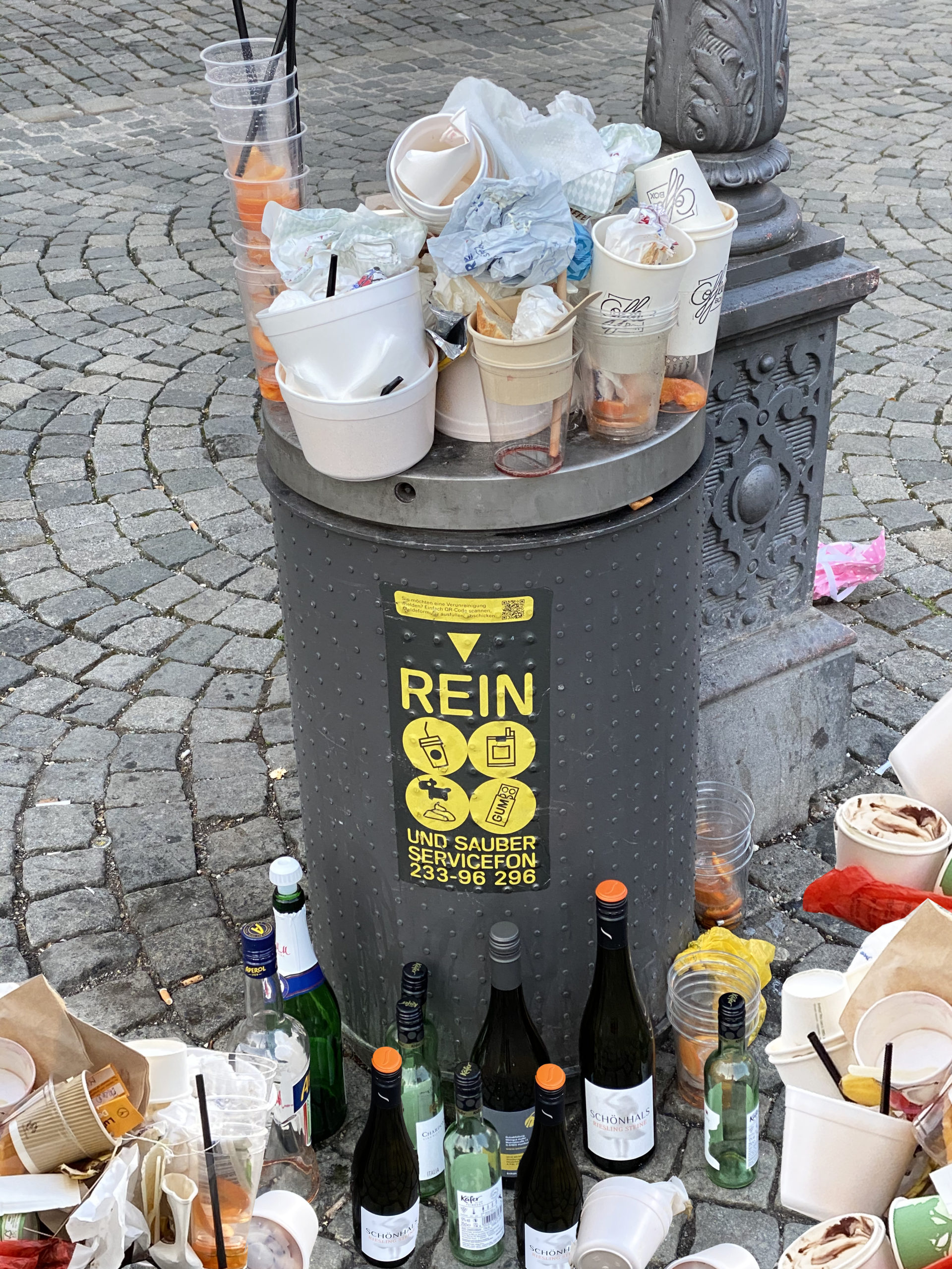 Mülleimer am Gärtnerplatz, Foto: Karoline Rupperti