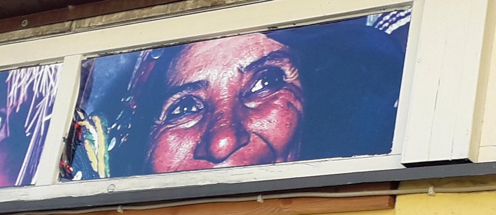Gesicht mit Augen und Nase