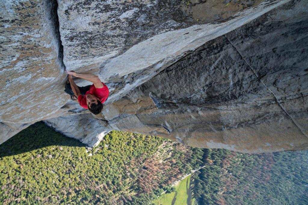 Alex Honnold klettert Free Solo in der Wand des El Capitan im Yosemite National Park