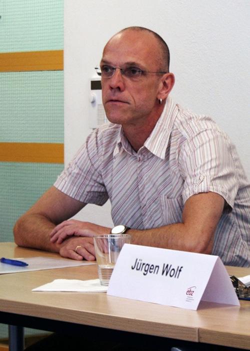 Jürgen Wolf bei der letzten Pressekonferenz
