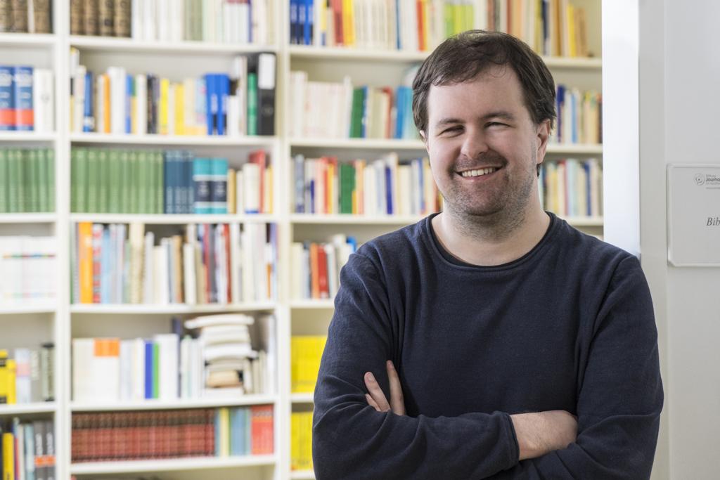 Alexander Karl in der Bibliothek der Jouranlistenakademie